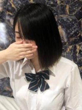 19才祐菜ちゃんの可愛い仁王立ちフェラからのハメ撮りは感じまくりのイキまくり!最後は生挿入で真っ赤に染まったおっぱいにぶっかけ!