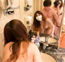 鏡の前で親友が犯されちているのを撮影しちゃいました♥️童貞みたいな男の人だったのにミナちゃんのFカップに大興奮で豹変してすごく。えろかった思い出♥️№33♥️
