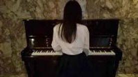 【個撮】私立普通科②隠れ巨乳・ピアノを弾いてるところを後ろからハメる